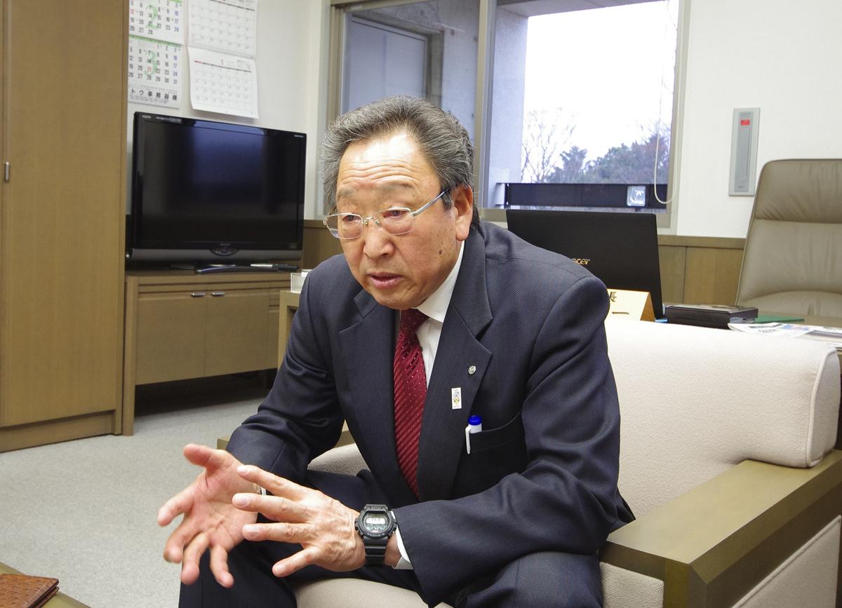 Tomioka Mayor Koichi Miyamoto speaks about the town's reconstruction efforts.